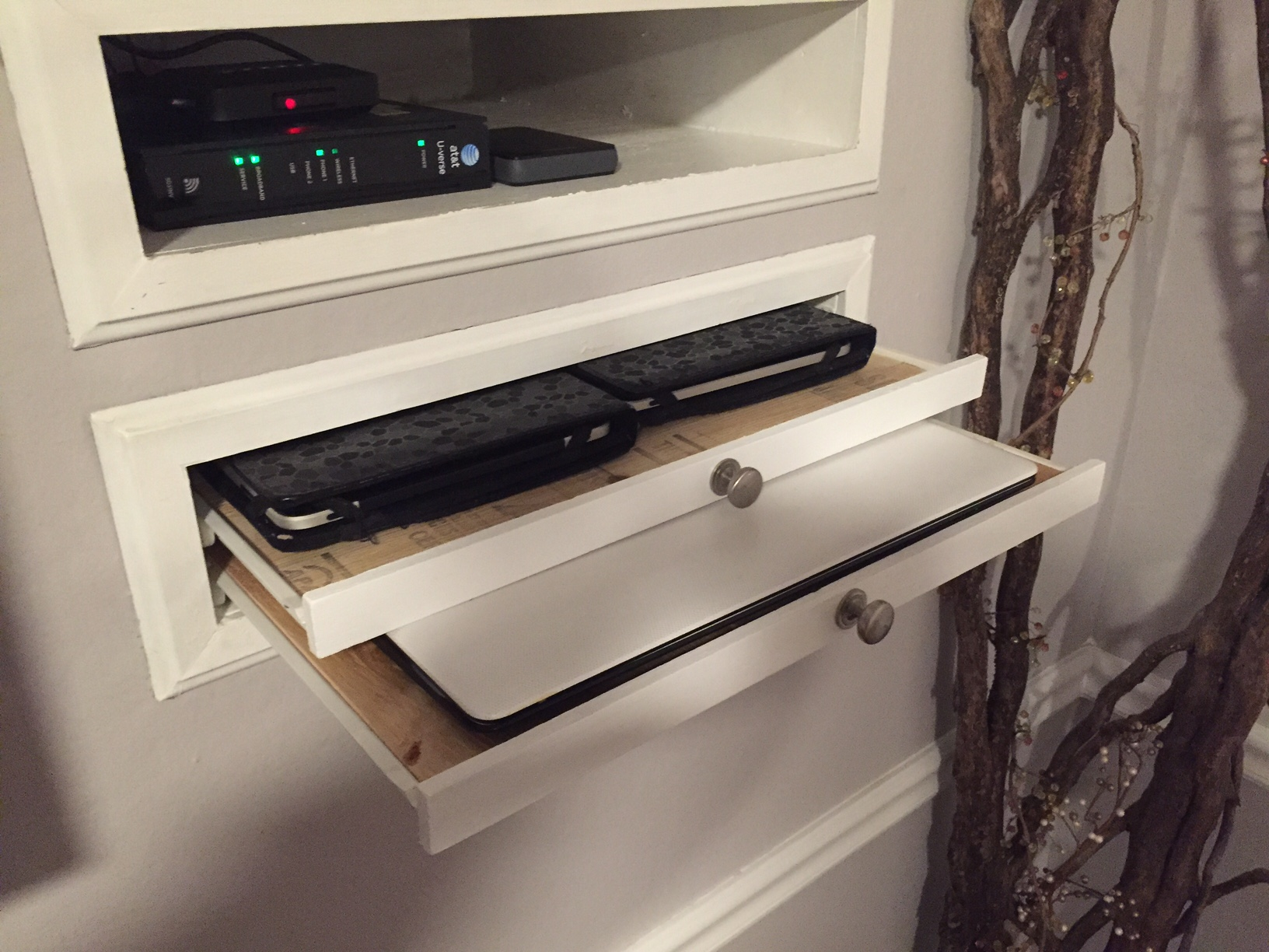 Electronics Charging Station Woodwork By Woodbeck
